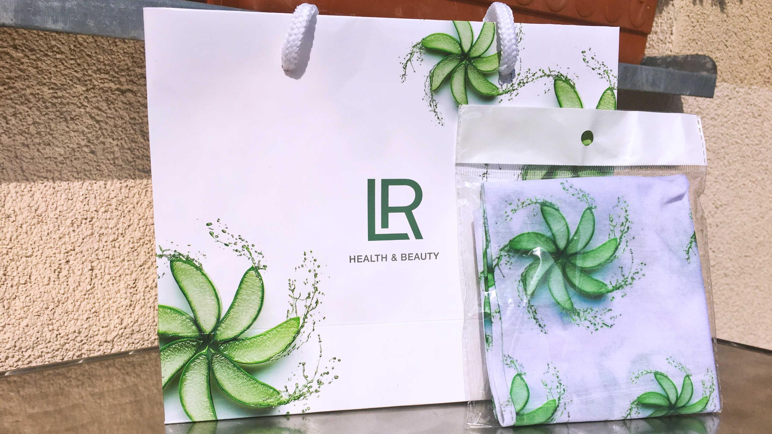 SOUTĚŽ: vyhraj originální šátek od LR Health & Beauty