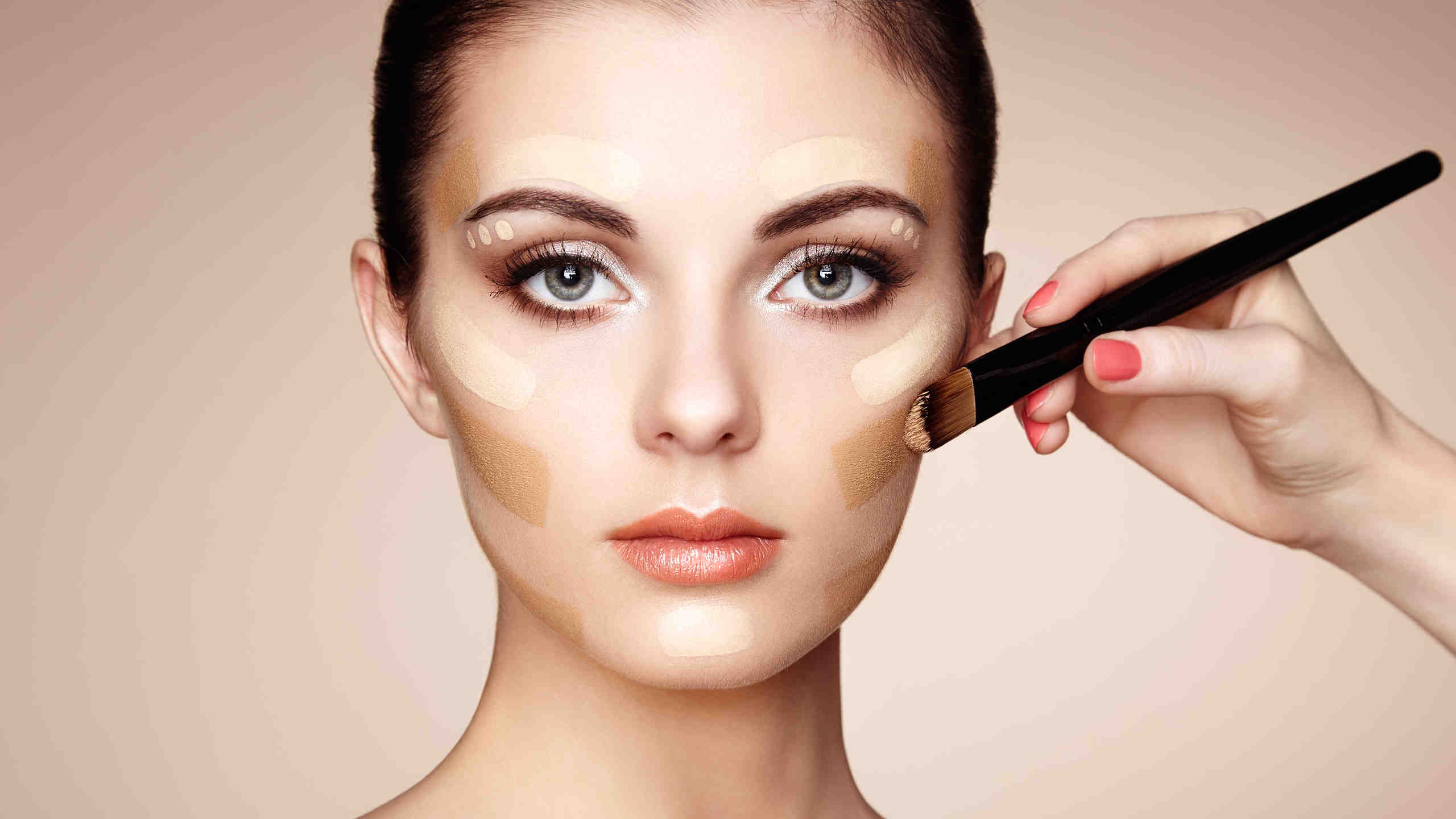 Jak si vybrat správný makeup