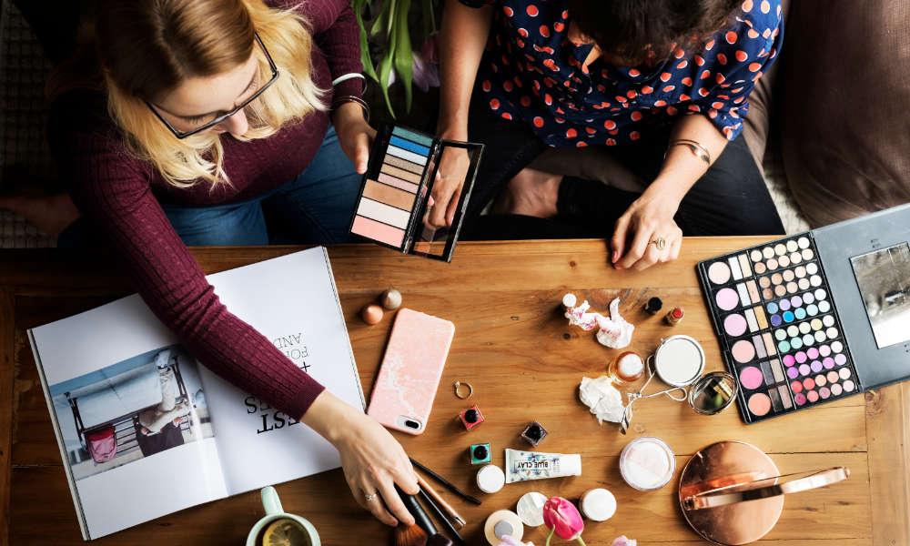 Jak si vybírat dekorativní kosmetiku?