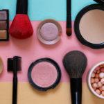 Jak si  správně vybrat dekorativní kosmetiku z katalogu?