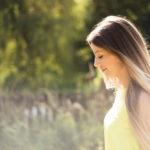 Jak ošetřovat vlasy po letních dnech