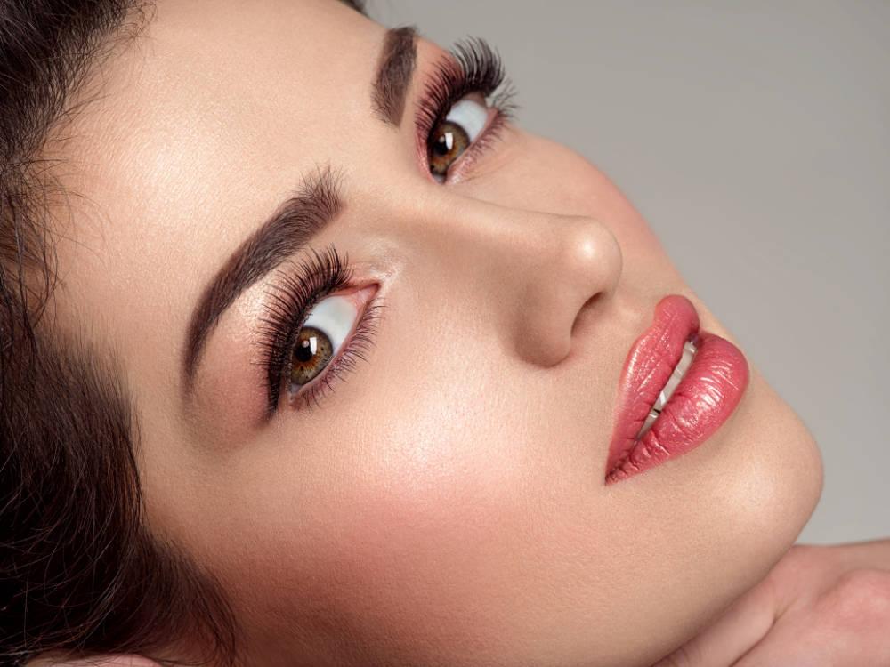 Svěží jarní makeup pro každého